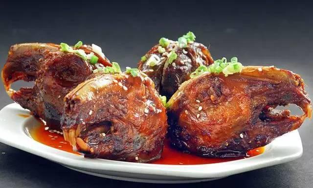 Chuột bao tử ăn sống, gà khô để nguyên lông là 2 trong 5 món ăn kỳ quái nhất Trung Quốc, người phàm ăn nhất cũng ái ngại - Ảnh 5.
