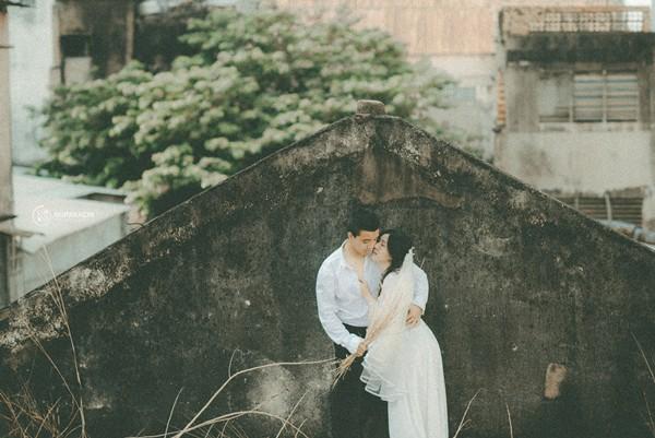 Thêm một bộ ảnh cưới vintage với nhà cổ và màu ảnh thập niên 90 khiến FA lại đứng ngồi không yên vì... thèm yêu - Ảnh 1.