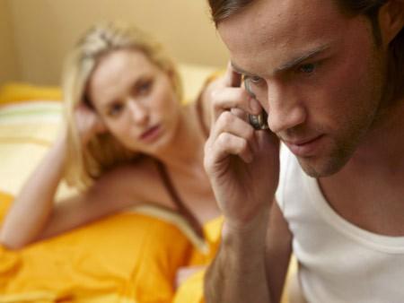 Khiêu khích mãi chồng không ghen hóa ra vì câu nói này - Ảnh 1.