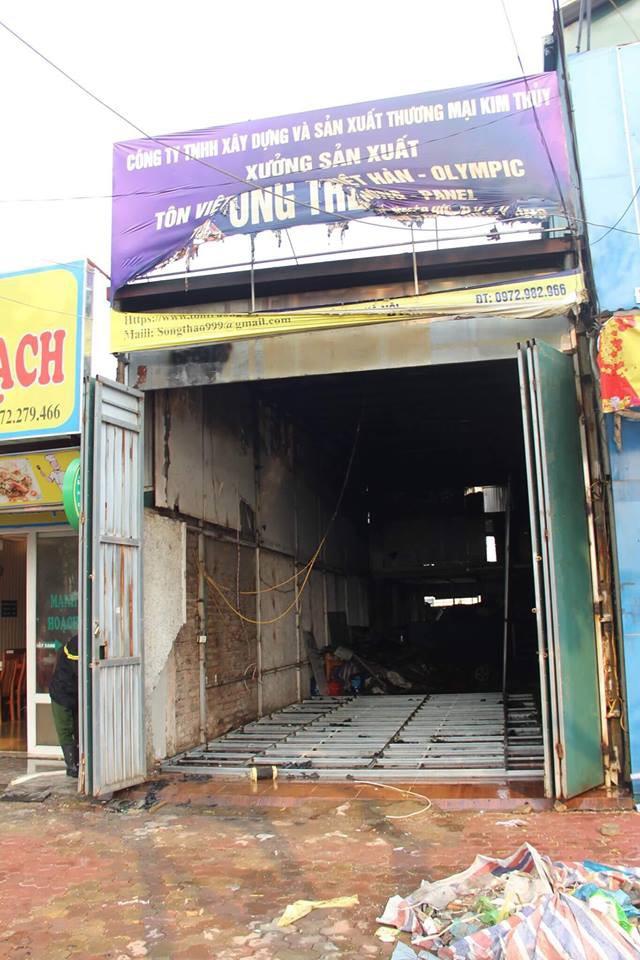Hà Nội: Cột khói bốc cao hàng chục mét từ đám cháy ngôi nhà mặt phố - Ảnh 6.