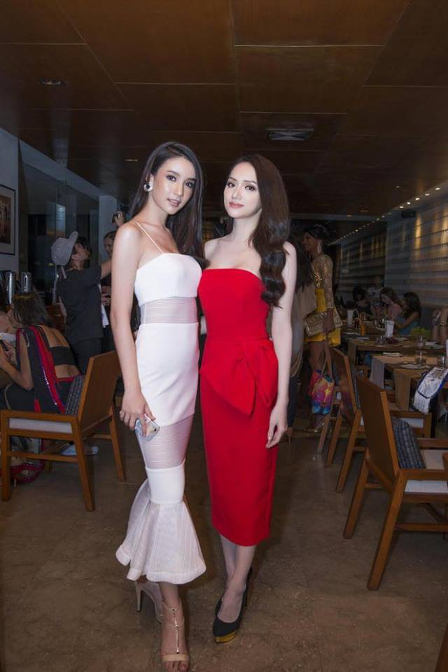 Cùng đọ sắc trong một khung hình, Hoa hậu Hương Giang và Á hậu Yoshi khiến fan loạn nhịp vì đẹp sắc nước hương trời - Ảnh 4.