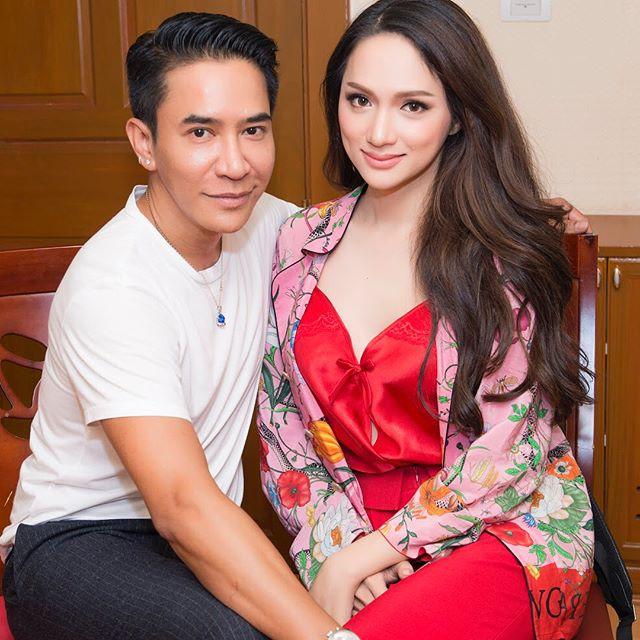 Dưới bàn tay trang điểm của chuyên gia người Thái, nhan sắc của Hoa hậu Hương Giang trông khác lạ bất ngờ - Ảnh 4.