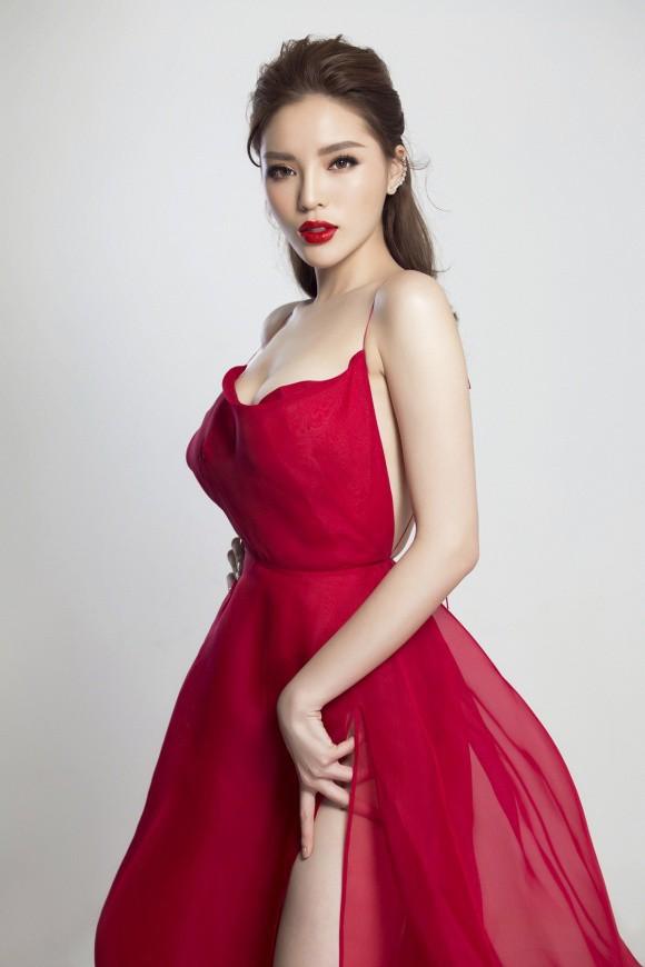 Đụng loạt váy đỏ gợi cảm, Kỳ Duyên đánh bại từ Quỳnh Anh Shyn tới Hương Giang nhờ vòng 1 đáng chú ý - Ảnh 1.