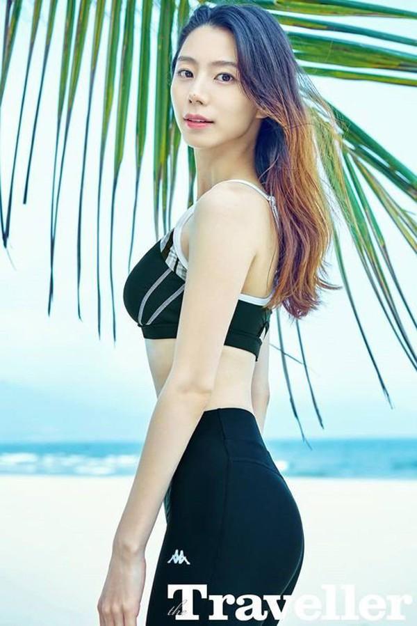 Vợ tài tử Bae Yong Joon tiết lộ bí quyết đẹp rạng ngời sau khi sinh - Ảnh 1.