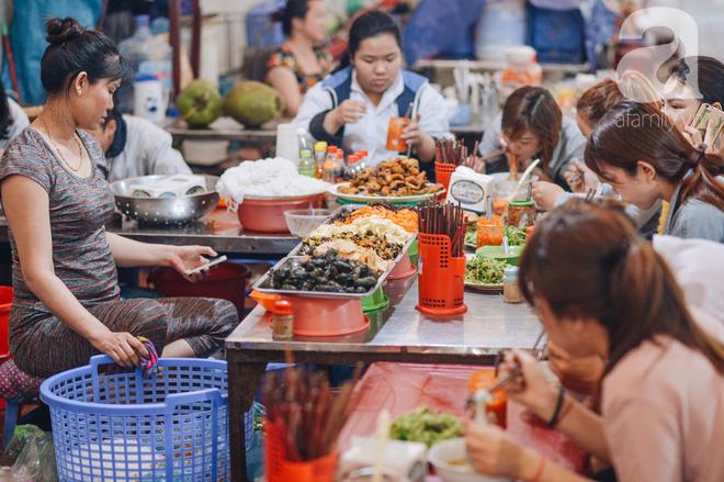 Thiên đường ăn vặt - chợ Cát Bi: Ăn hết sạch món ngon Hải Phòng chỉ với 100.000 đồng là chuyện vô cùng đơn giản! - Ảnh 6.
