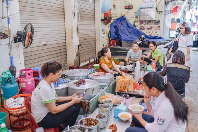 Thiên đường ăn vặt - chợ Cát Bi: Ăn hết sạch món ngon Hải Phòng chỉ với 100.000 đồng là chuyện vô cùng đơn giản! - Ảnh 12.