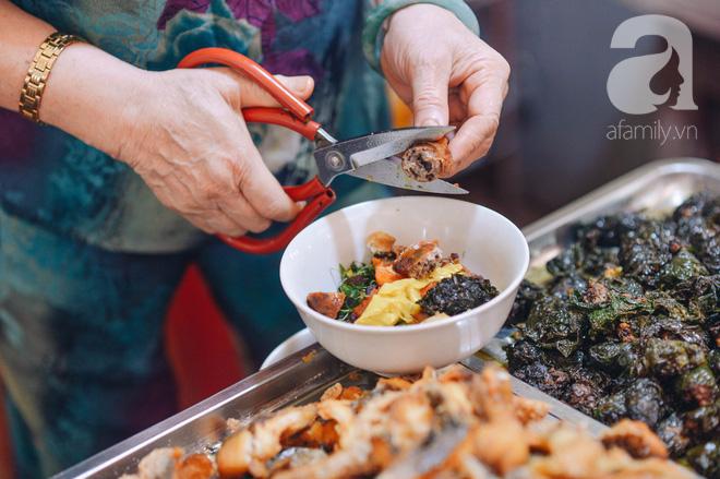 Thiên đường ăn vặt - chợ Cát Bi: Ăn hết sạch món ngon Hải Phòng chỉ với 100.000 đồng là chuyện vô cùng đơn giản! - Ảnh 4.