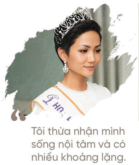 Hoa hậu H'Hen Niê: Không muốn kể khổ, không muốn ai thương hại vì gia cảnh nghèo khó! - Ảnh 13.