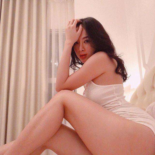 Khoe đường cong ác liệt thế này, chắc hẳn Angela Phương Trinh đang muốn trở thành Kim Kardashian phiên bản Việt - Ảnh 12.