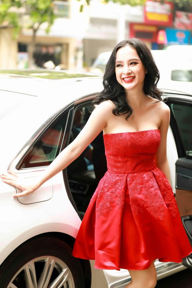 Khoe đường cong ác liệt thế này, chắc hẳn Angela Phương Trinh đang muốn trở thành Kim Kardashian phiên bản Việt - Ảnh 6.