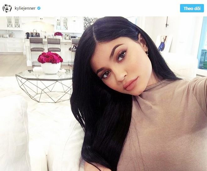 Choáng ngợp trước căn biệt thự xa hoa có giá 12 triệu USD, rộng 1.226m2 của cô út nhà Kim - Kylie Jenner - Ảnh 5.