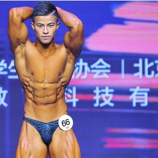 Ăn 70 lòng trắng trứng mỗi ngày trước cuộc thi thể hình, chàng trai gầy gò lột xác với cơ thể cường tráng, giành luôn ngôi vô địch - Ảnh 3.