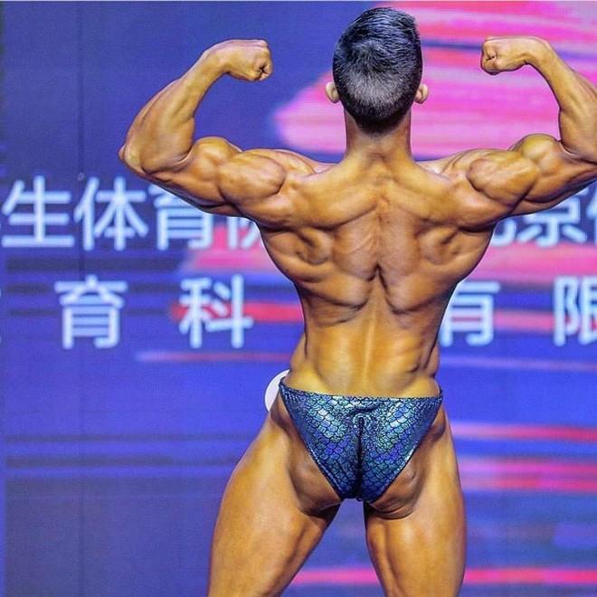 Ăn 70 lòng trắng trứng mỗi ngày trước cuộc thi thể hình, chàng trai gầy gò lột xác với cơ thể cường tráng, giành luôn ngôi vô địch - Ảnh 4.