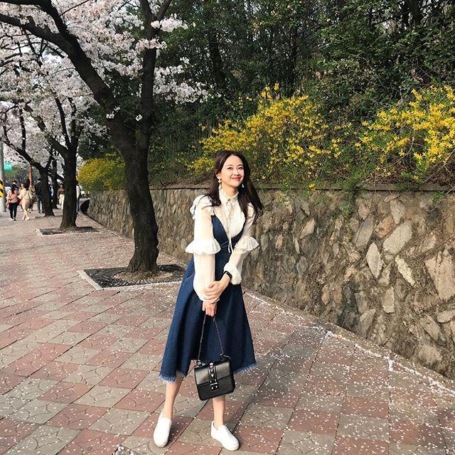 Khởi động mùa du lịch qua loạt street style siêu thú vị của các quý cô châu Á - Ảnh 17.