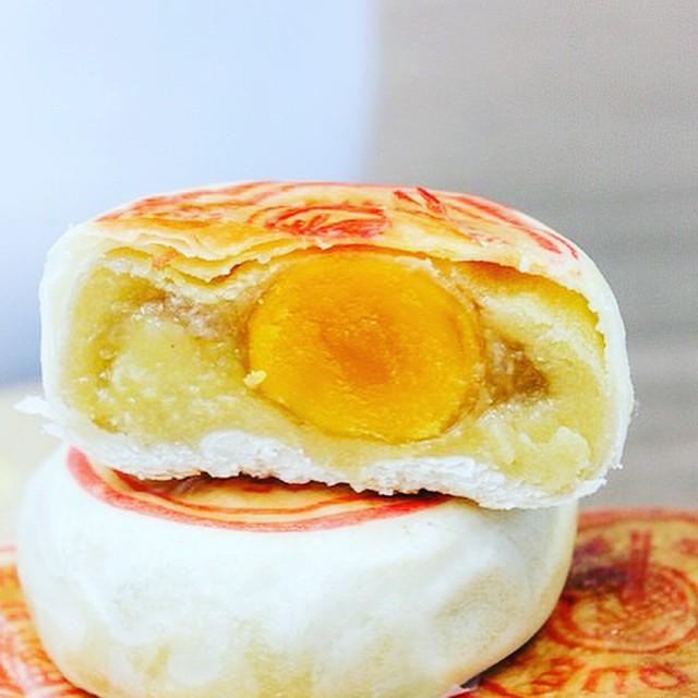 6 món bánh chỉ nghe tên đã khiến fan của sầu riêng nức lòng - Ảnh 1.