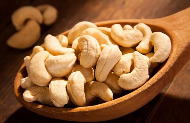 Đọc được những lý do này sẽ thuyết phục bạn nên ăn hạt điều thường xuyên hơn - Ảnh 2.