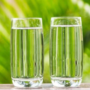 Hãy quên việc uống 8 ly nước mỗi ngày đi bởi các chuyên gia đã cảnh báo điều này có thể gây nguy hiểm cho bạn - Ảnh 5.