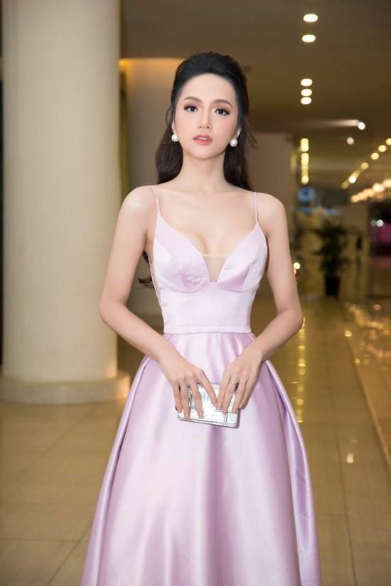 Bắt chước phong cách công chúa của Hương Giang, á hậu Thùy Dung vẫn dưới cơ đàn chị dù diện trang sức 200 triệu - Ảnh 5.