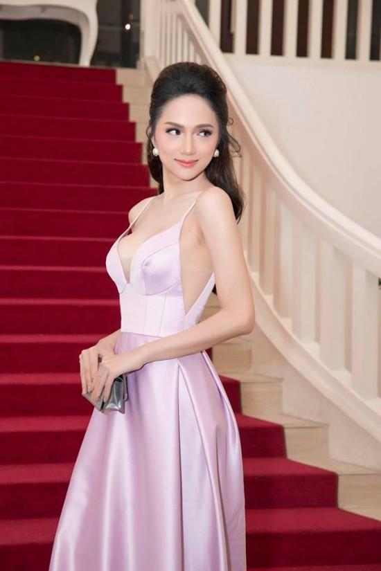 Bắt chước phong cách công chúa của Hương Giang, á hậu Thùy Dung vẫn dưới cơ đàn chị dù diện trang sức 200 triệu - Ảnh 7.