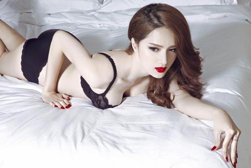 Hoa hậu Hương Giang: Lần đầu được mặc bikini, tôi như sống lại cuộc đời mới - Ảnh 1.