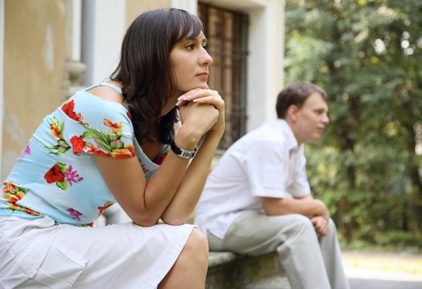 Cặp vợ chồng sắp ra tòa ly hôn vì không thể chung sống nữa, một câu hỏi duy nhất đã cứu vớt cuộc hôn nhân đang trên bờ vực thẳm của họ - Ảnh 1.