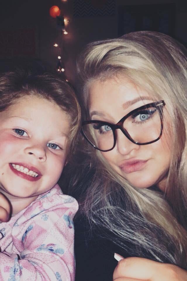 Thấy con gái mới 2 tuổi đã dậy thì, bà mẹ hốt hoảng đưa con đến gặp bác sĩ và không ngờ đó là dấu hiệu cứu con khỏi tay tử thần - Ảnh 1.