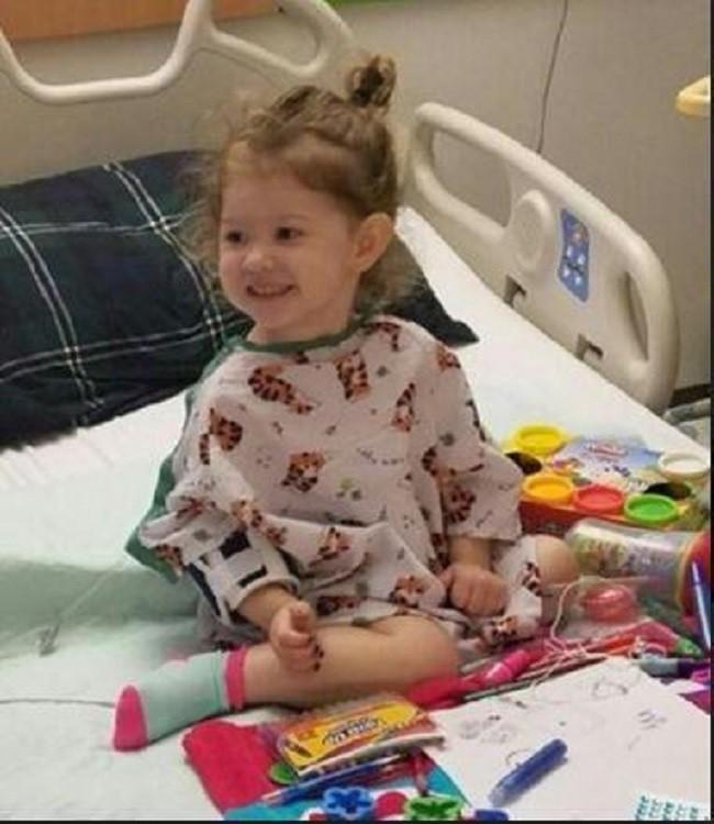Thấy con gái mới 2 tuổi đã dậy thì, bà mẹ hốt hoảng đưa con đến gặp bác sĩ và không ngờ đó là dấu hiệu cứu con khỏi tay tử thần - Ảnh 4.