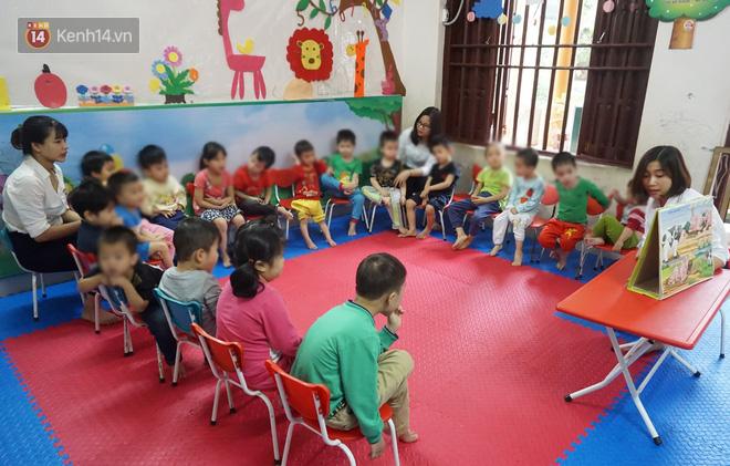 Hành trình đẫm nước mắt của cô giáo đưa trẻ tự kỷ hòa nhập cộng đồng: Bị đánh, cắn đến chảy máu là chuyện thường - Ảnh 1.