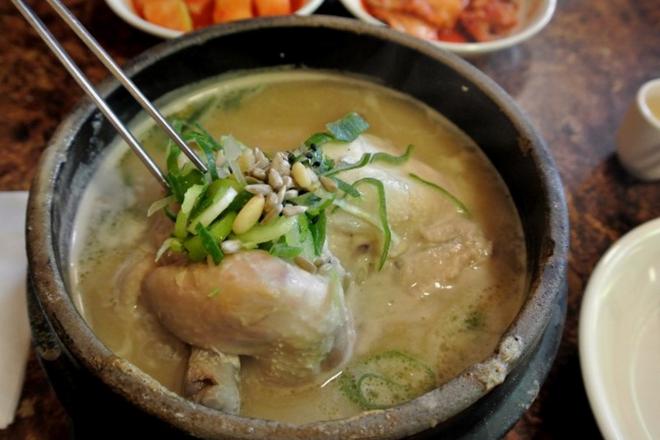 Ngày hè nóng nực nhưng người Hàn Quốc vẫn chuộng món ăn nóng hổi này bởi lý do ít ai đoán được - Ảnh 11.