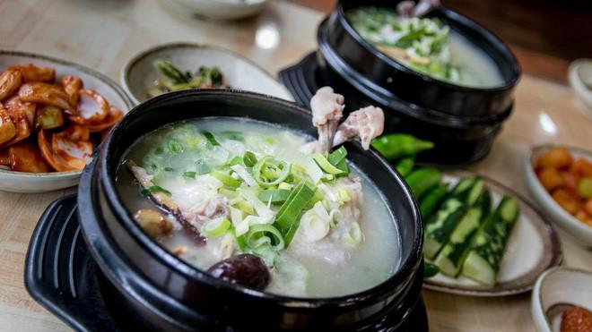 Ngày hè nóng nực nhưng người Hàn Quốc vẫn chuộng món ăn nóng hổi này bởi lý do ít ai đoán được - Ảnh 12.