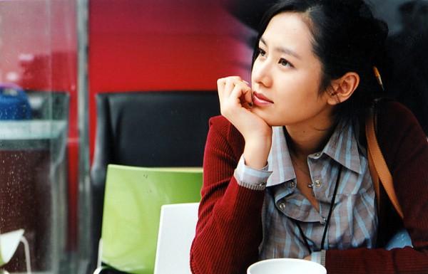 2 mỹ nhân cùng tuổi Son Ye Jin và Han Ga In: Nữ thần U40 vẫn chưa chịu kết hôn và nàng ngọc nữ sớm theo chồng nhưng không bỏ cuộc chơi - Ảnh 7.