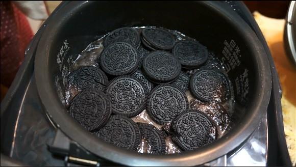 Cười nhạo người bạn cho bánh quy socola vào nồi cơm điện, ăn xong rồi cô gái bẽn lẽn xin thêm - Ảnh 4.