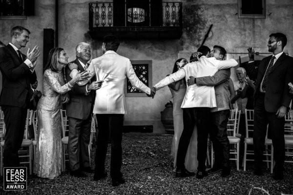 30 bức ảnh cưới đầy cảm xúc khiến người ta chỉ muốn được lập tức nắm tay người mình yêu bước vào lễ đường - Ảnh 3.