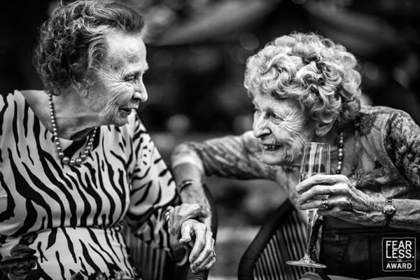 30 bức ảnh cưới đầy cảm xúc khiến người ta chỉ muốn được lập tức nắm tay người mình yêu bước vào lễ đường - Ảnh 24.