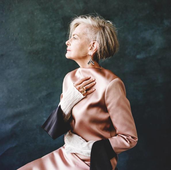 Cụ bà trở thành biểu tượng thời trang tuổi 64 và câu chuyện danh tiếng ập đến theo cách không thể ngờ tới - Ảnh 5.
