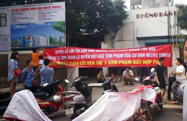 Hà Nội: Cư dân chung cư túc trực đã 20 ngày đêm, ngăn việc sử dụng đường nội bộ để thi công trường mầm non - Ảnh 3.
