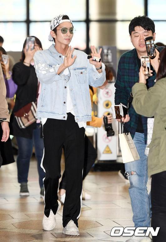 Khác một trời một vực với ảnh tạp chí, tài tử Lee Jun Ki gây hốt hoảng với cằm nhọn nhô ra như lưỡi cày - Ảnh 1.