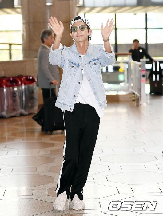 Khác một trời một vực với ảnh tạp chí, tài tử Lee Jun Ki gây hốt hoảng với cằm nhọn nhô ra như lưỡi cày - Ảnh 3.