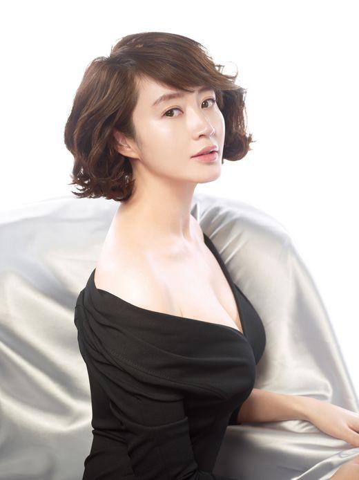 Jang Nara, Son Ye Jin và Taeyeon - Ai đứng đầu cuộc bình chọn 'Chị đẹp mua cơm ngon cho cư dân mạng'? - Ảnh 6.
