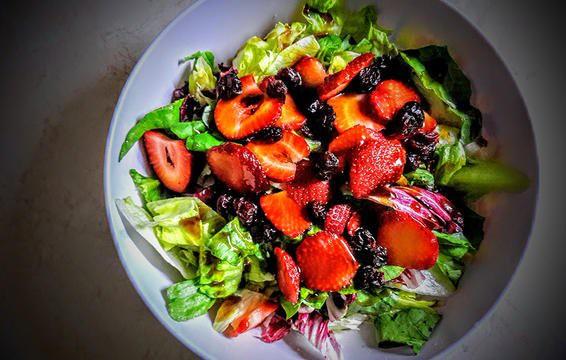Nếu chọn ăn salad để giảm cân thì đừng bao giờ cho thêm 6 thứ này - Ảnh 7.