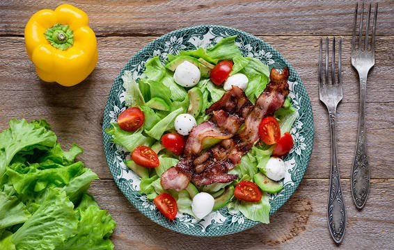 Nếu chọn ăn salad để giảm cân thì đừng bao giờ cho thêm 6 thứ này - Ảnh 8.