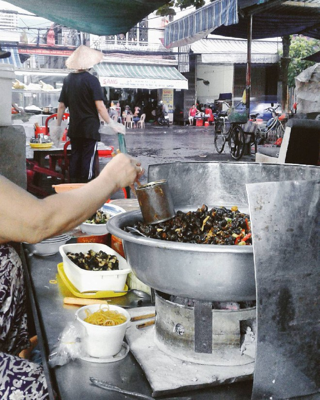 8 món ăn vặt nổi tiếng ở Đà Nẵng, số 1 sốt xình xịch ở Hà Nội, Sài Gòn - Ảnh 20.