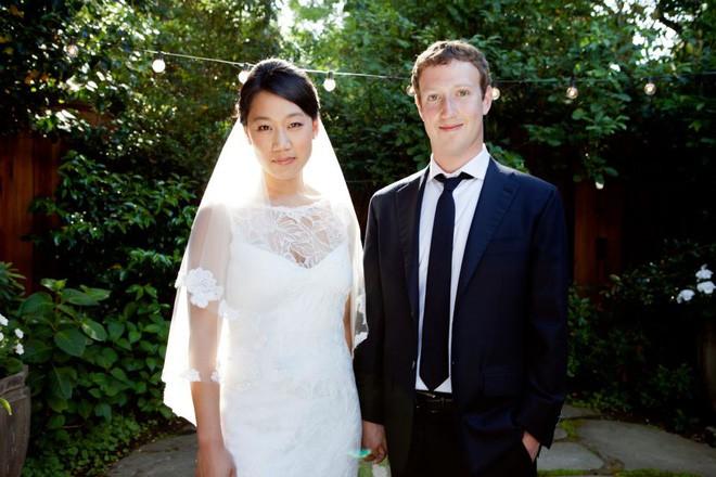 Nguyên tắc không ngờ giữa vợ chồng ông chủ Facebook giúp mối quan hệ 15 năm vẫn háo hức như mới - Ảnh 2.