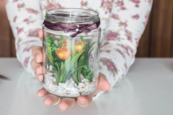 3 cách tái chế lọ thủy tinh đơn giản thành đồ dụng tiện ích cho ngôi nhà - Ảnh 4.