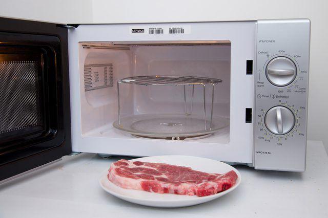 Bạn nghĩ là chuyện cỏn con nhưng mắc phải những sai lầm sơ chế thịt đã góp phần khiến sức khỏe gia đình nguy hiểm - Ảnh 5.