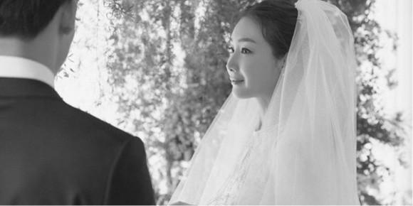 Chồng mới cưới của Choi Ji Woo đã nói 4 từ này sau đám cưới bí mật - Ảnh 1.