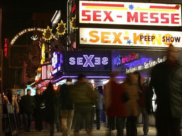 Có nên coi mại dâm là một nghề? Chúng ta đang tranh luận còn một số nước đã hợp pháp hóa mại dâm - Ảnh 3.