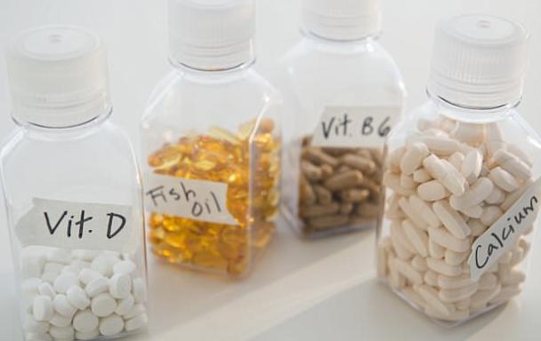 Dùng quá liều vitamin, chuyện gì sẽ xảy ra?  - Ảnh 1.