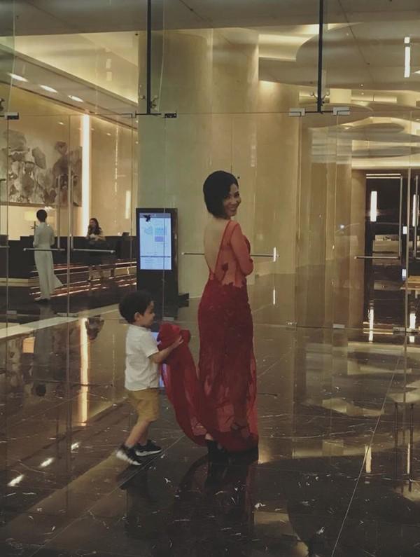 Thu Minh hạnh phúc khoe con trai hiếu động ở tuổi lên 3 - Ảnh 2.