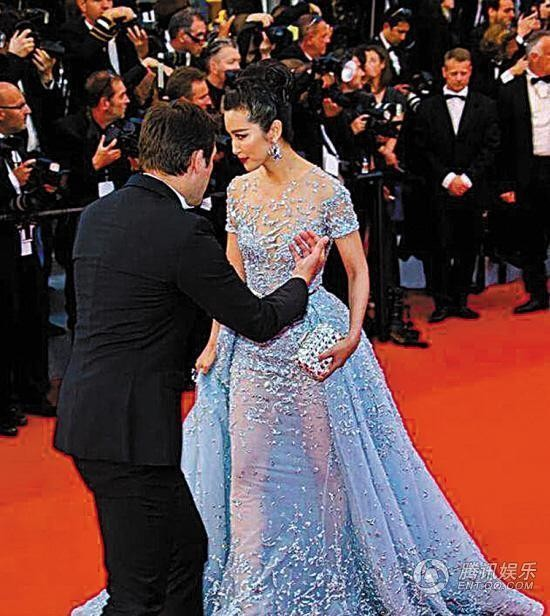Những lần náo loạn thảm đỏ Cannes của sao Hoa ngữ: Từ mỹ nhân hạng A đến người đẹp vô danh chiêu trò đủ kiểu khiến truyền thông ngao ngán - Ảnh 12.
